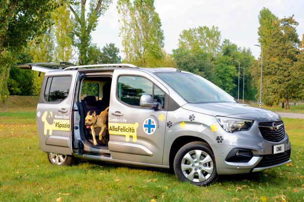 Opel Combo Life_cani bambini auto