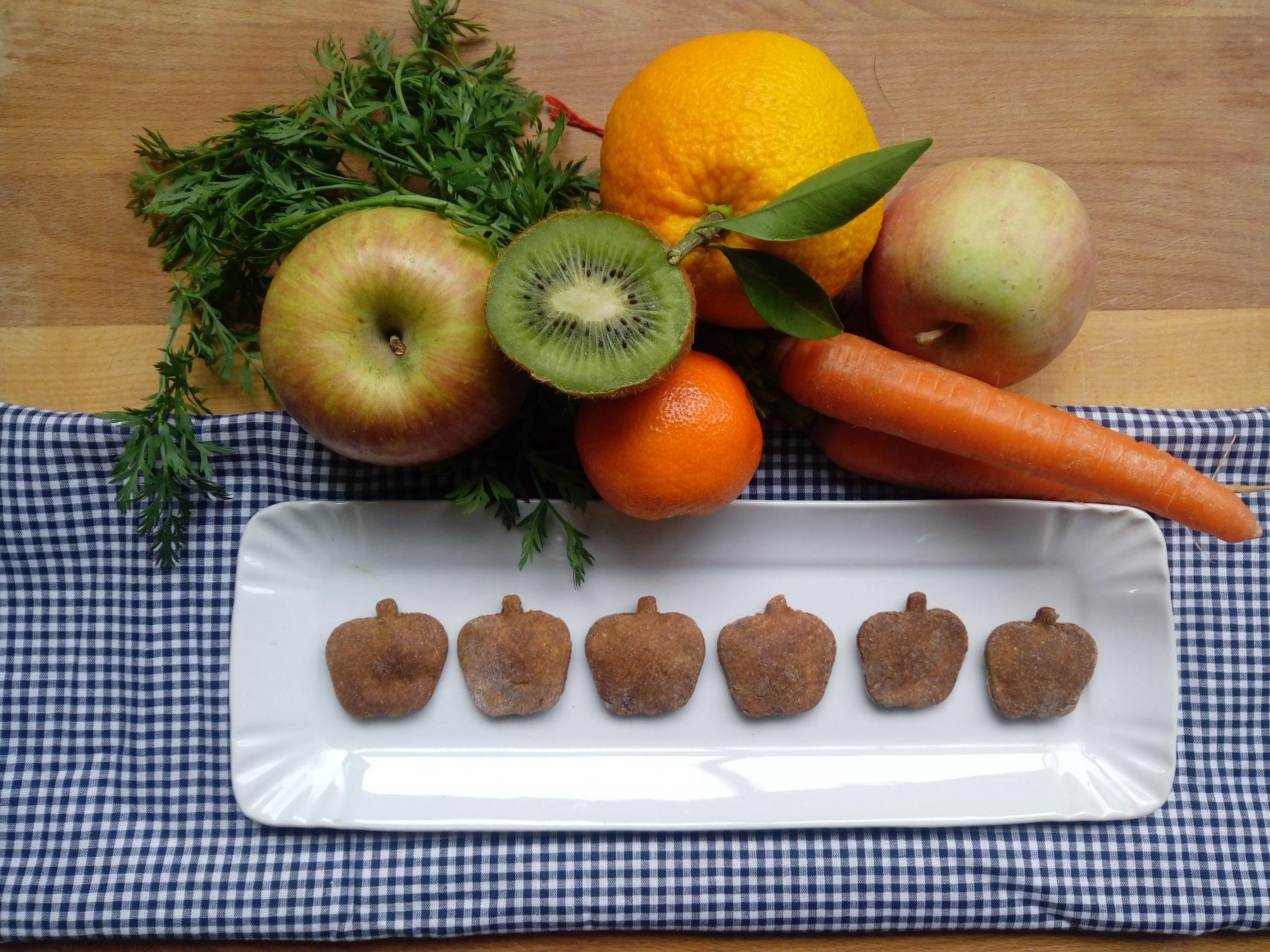 biscotti alla frutta per cani